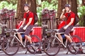 JGL on Premium Rush Set - joseph-gordon-levitt photo