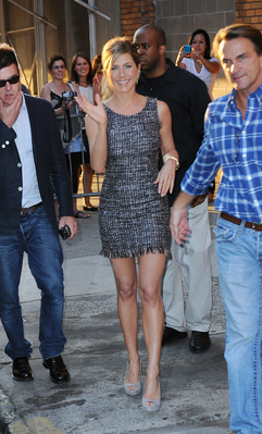 Jennifer arriving @ The Daily Show - jennifer-aniston Photo