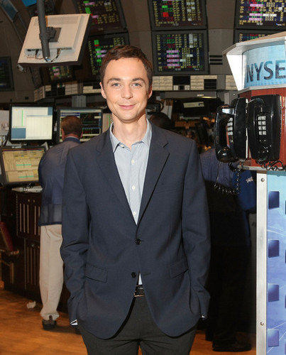 Jim Parsons Rings NYSE Opening ঘণ্টা
