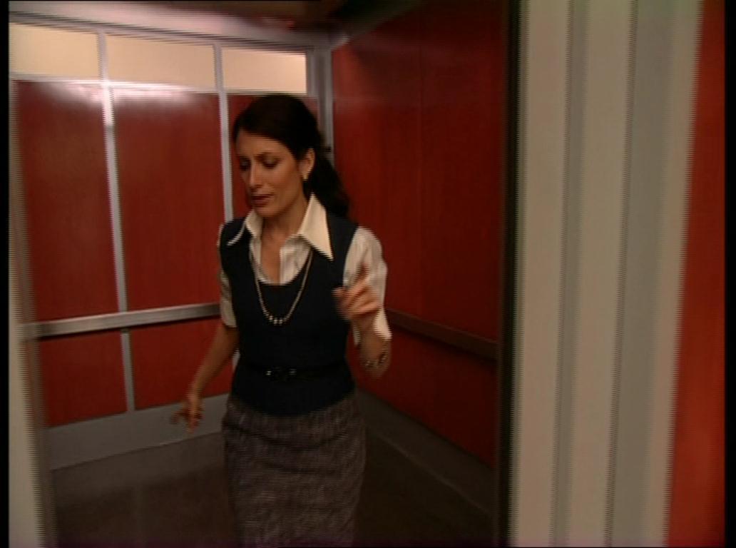 Lisa Edelstein Bus Streifen Video