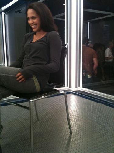 LtM on set