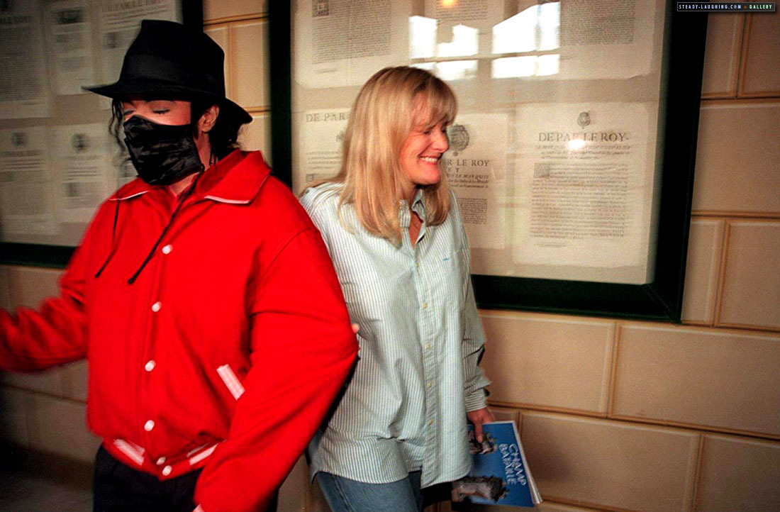 MJ visits Champ de Bataille château with Debbie Rowe