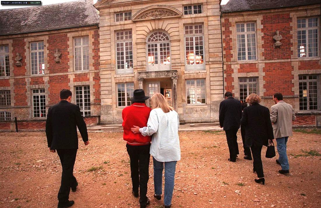 MJ visits Champ de Bataille Castle with Debbie Rowe