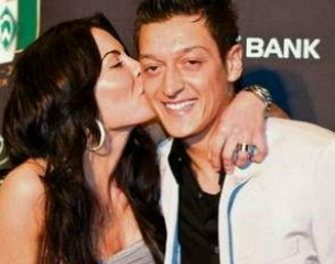 Mesut Özil wallpaper entitled Mesut özil and Anna Maria