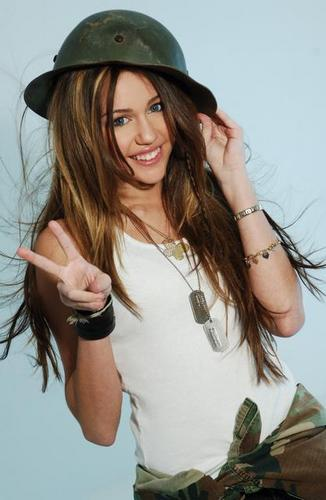 Miley Cyrus Hintergrund entitled Miley 2006