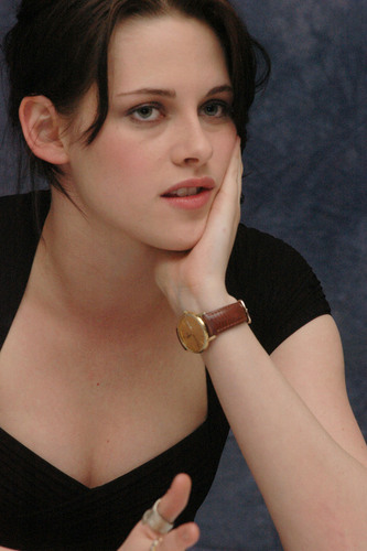 "NEW ""The Runaways"" Press Conference [HQ]"