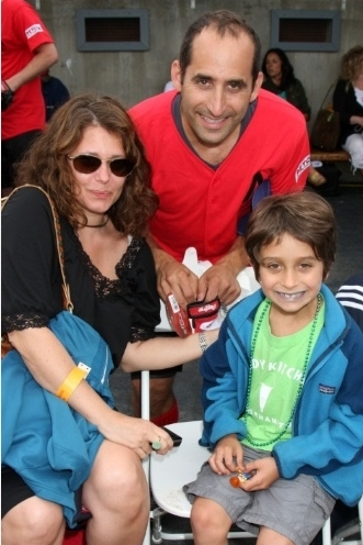 Peter Jacobson& family Played Softball for Charity-Aug 7th, 2010
