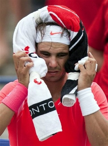 Rafa disappointed with towel - rafael-nadal Photo