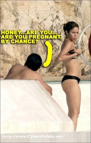 Shakira PREGNANT