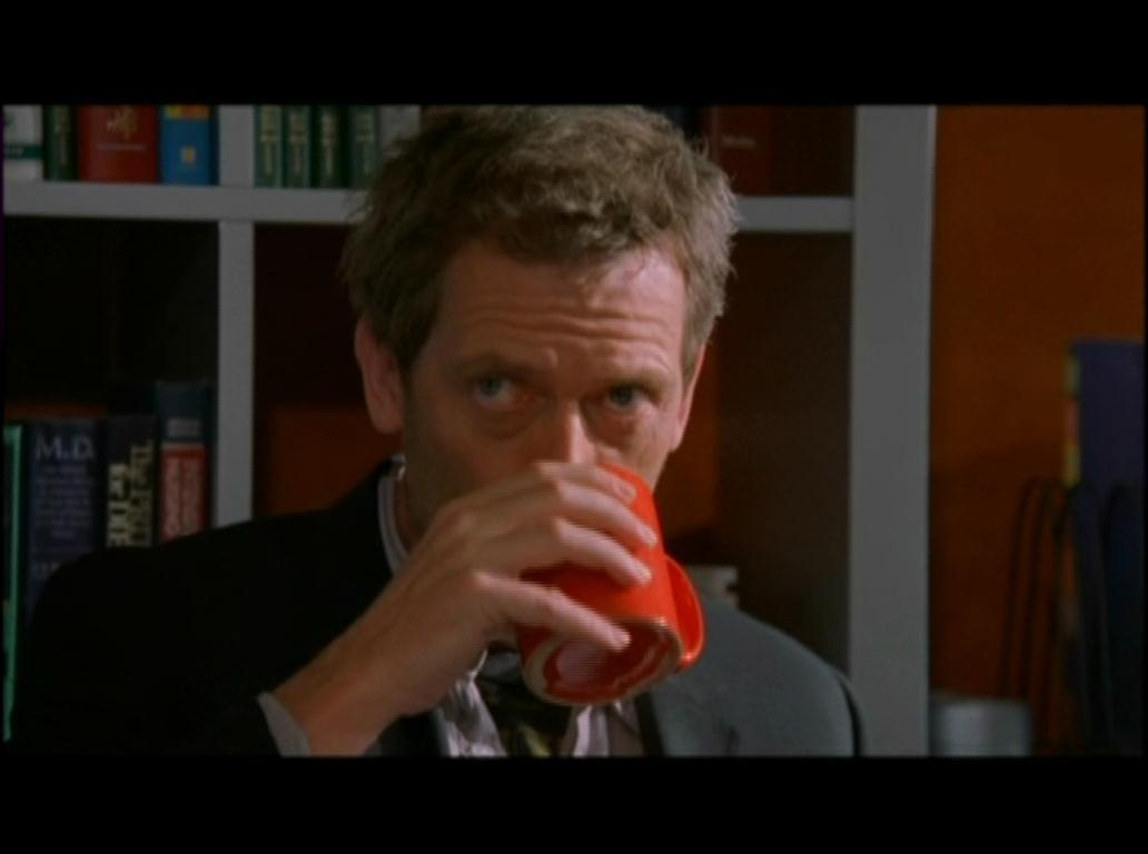 What does Hugh Laurie (Dr. House) do at night 34
