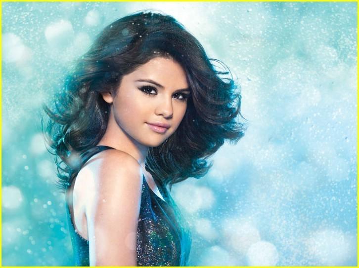 Творения чОкнутого админа Selena-Gomez-selena-gomez-14821842-726-543