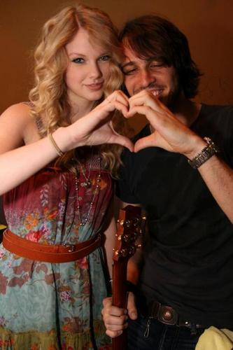 Taylor & 프렌즈