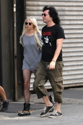 Taylor Momsen Out In Manhattan