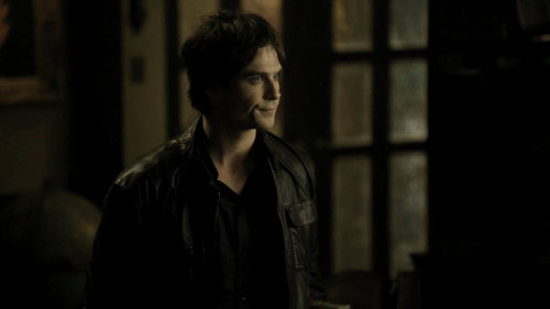Vampire Diaries 1x14 HD - damon-and-elena Screencap