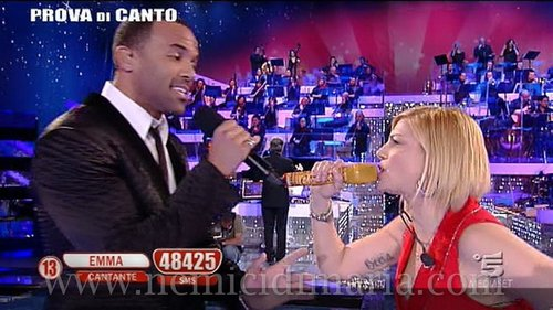 craig sings with Emma Marrone (italy)