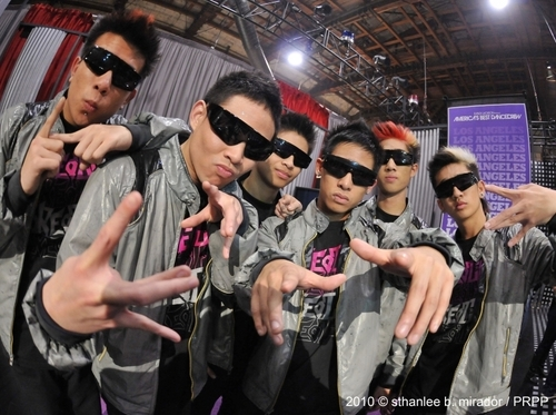 poreotics - poreotix Photo