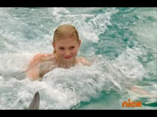 rikki swim in sea world