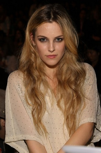 riley keough fondo de pantalla titled Anna Sui Fashion mostrar
