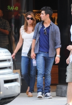 Ashley & Joe out in NYC