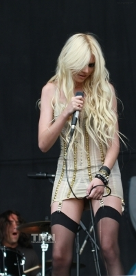 August 22:V Festival(Day 2)-Weston Park,England