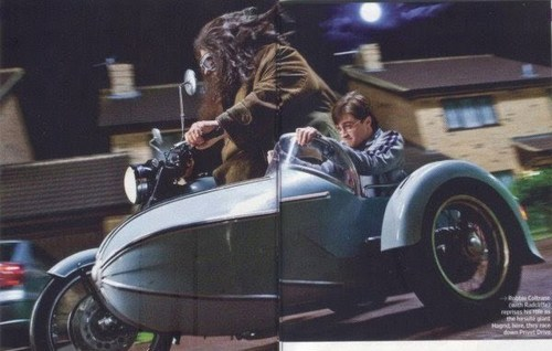 Deathly Hallows pics!
