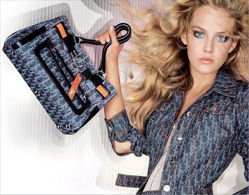 riley keough fondo de pantalla entitled Dior