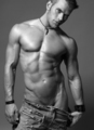 Hot Kellan