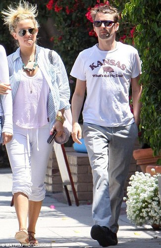Kate Hudson and MATTBELL....What a disgrace!