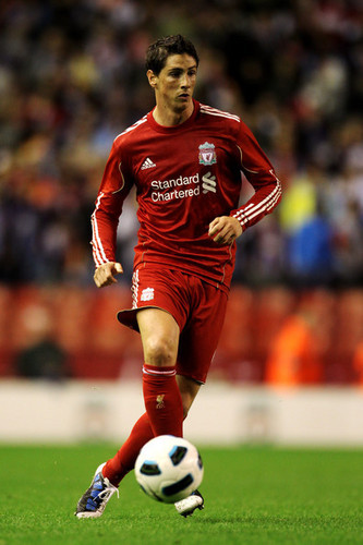 Fernando Torres achtergrond entitled Liverpool vs Trabzonspor