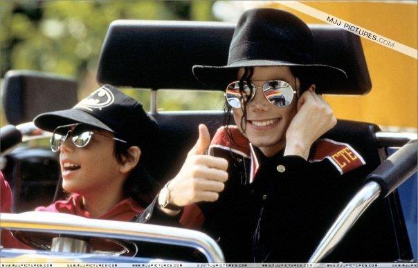 더 많이 MJ