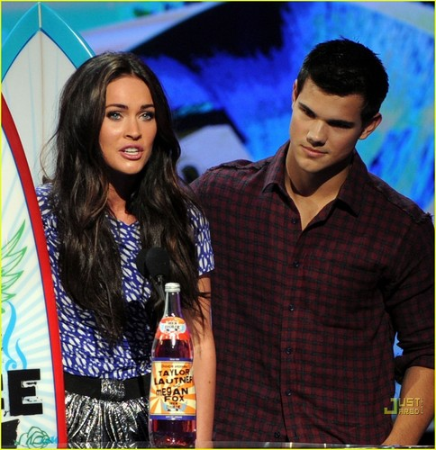 Megan fuchs & Taylor Lautner - 2010 Teen Choice Awards