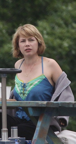 "Michelle Williams on ""TTW"" Set 23.8.2010"