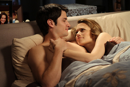 naley pic from 8x01