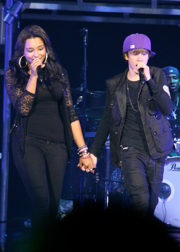 OMG! Are Justin Bieber & Jessica Jarrell Dating?