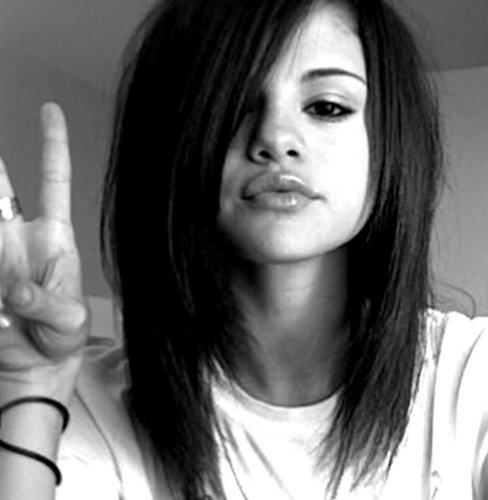 Peace from Selena <3
