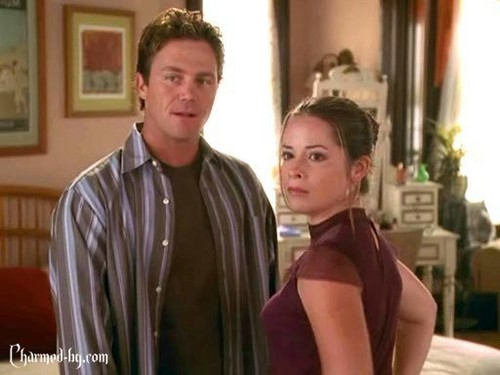TV Couples achtergrond called Piper and Leo [Charmed]