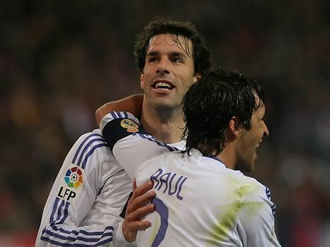 Raúl & Ruud অগ্রদূত Nistelrooy