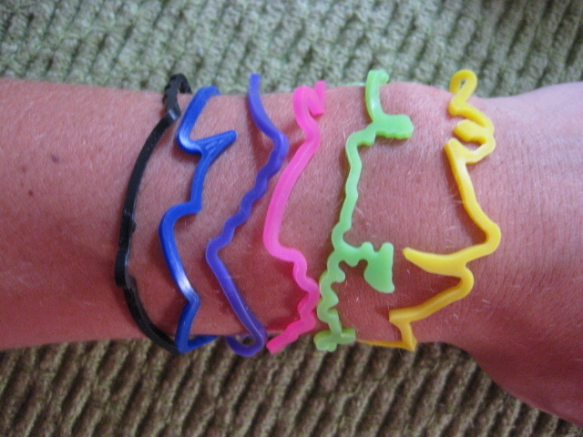 Silly Bandz Cartoon