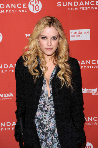 riley keough fondo de pantalla called Riley