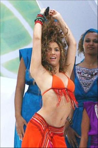 Shakira BIKINI BREAST