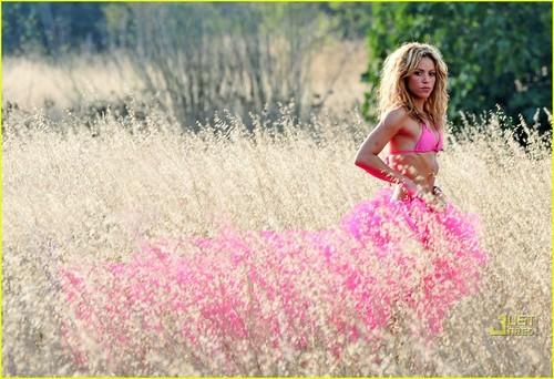 Shakira: Bright Bikini in Spain!
