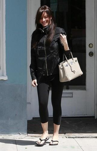 Sofia Vergara Leaving The Melrose Fashion thiết kế Studio