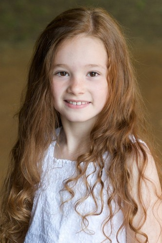 The girl whoz gonna play Lilly Evans Deathly Hallows..she is soo pretty!!!Ellie Darcey-Alden