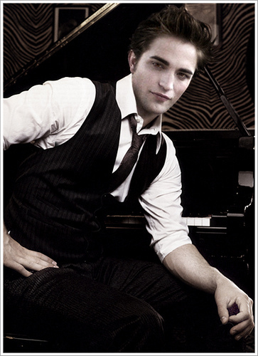 robert pattinson/edward cullen<3