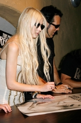 August 20: The Pretty Reckless-Album Playback at The Borderline