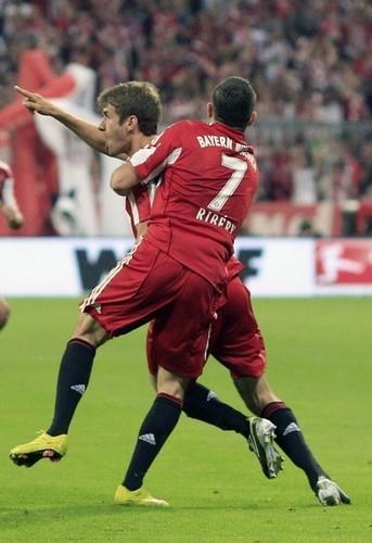 Bayern Munich (2) vs VfL Wolfsburg (1)