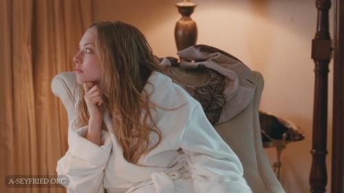Amanda Seyfried wallpaper titled Chloe (Blu-Ray)