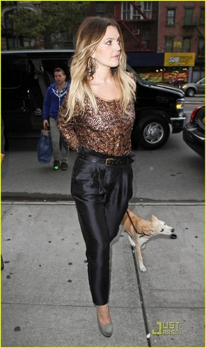 Drew Barrymore: Going the Distance with My Dog!