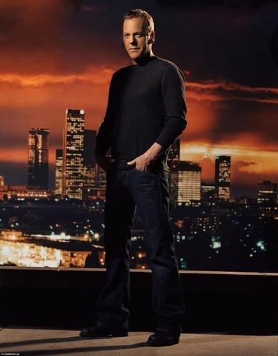 24 দেওয়ালপত্র titled Kiefer Sutherland as Jack Bauer