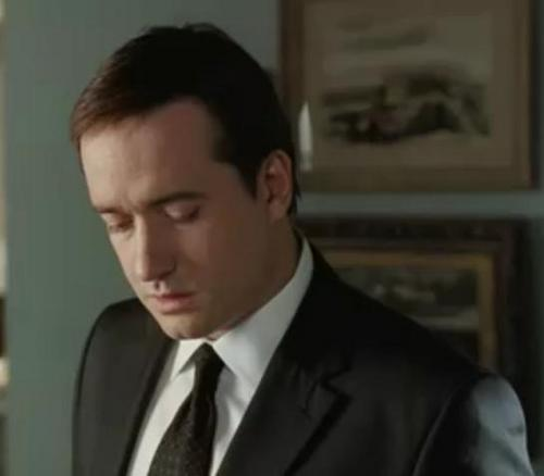 Matthew Macfadyen in Death at a funeral